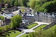 Vue d'hélicoptère du Château de Raray