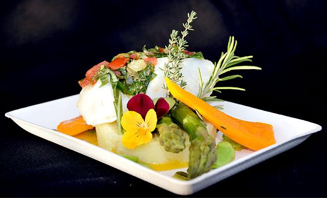 Cabillaud, mini légumes braisés, écrasé de patate douce & févettes